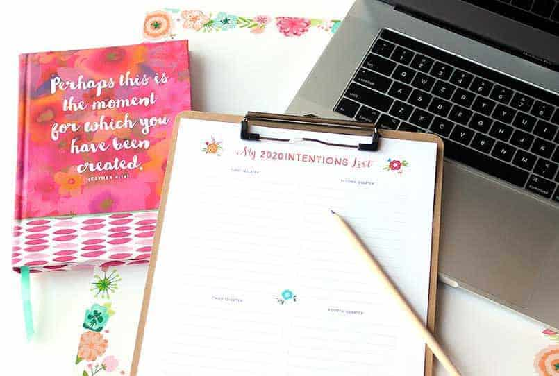Free download for editorial calendar, intentions list and calendar