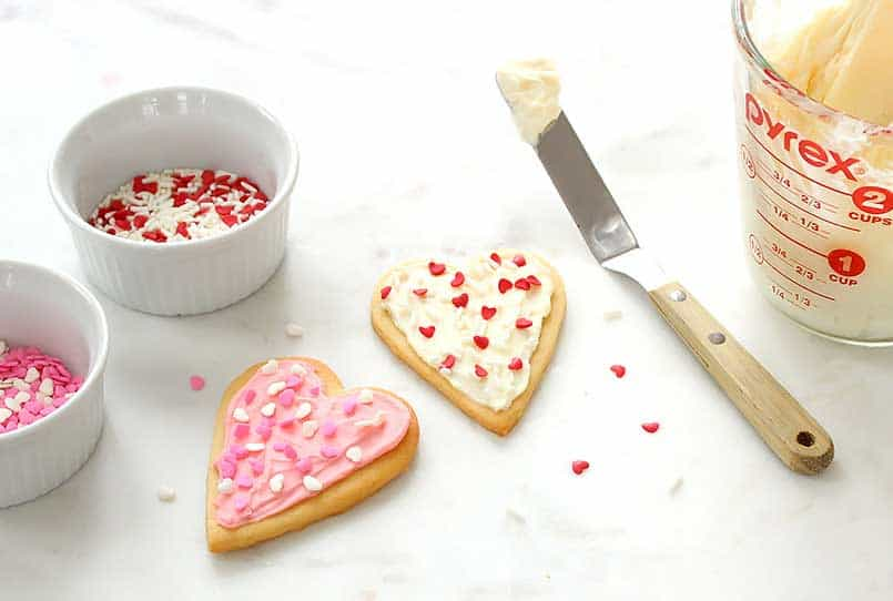 Easy, healthy, gluten free, refined sugar free, white sugar cookies to bake