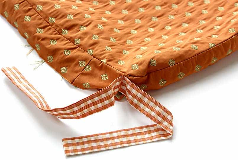 DIY chair cushion with ties