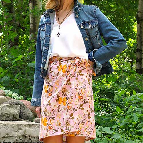 Vogue pattern 8338 of wrap skirt in a flowered print