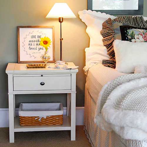 Easy, DIY bed skirt using simple and inexpensive bedsheets