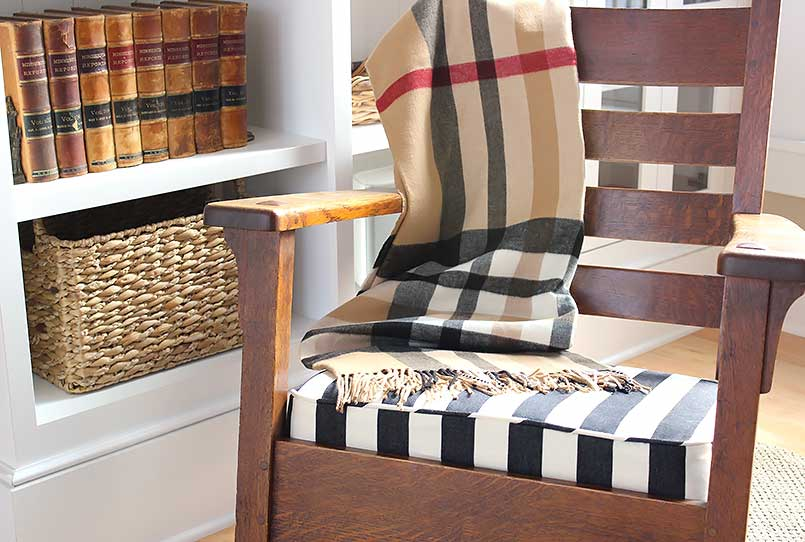 A craftsman-style antique chair with a new cushion - tutorial
