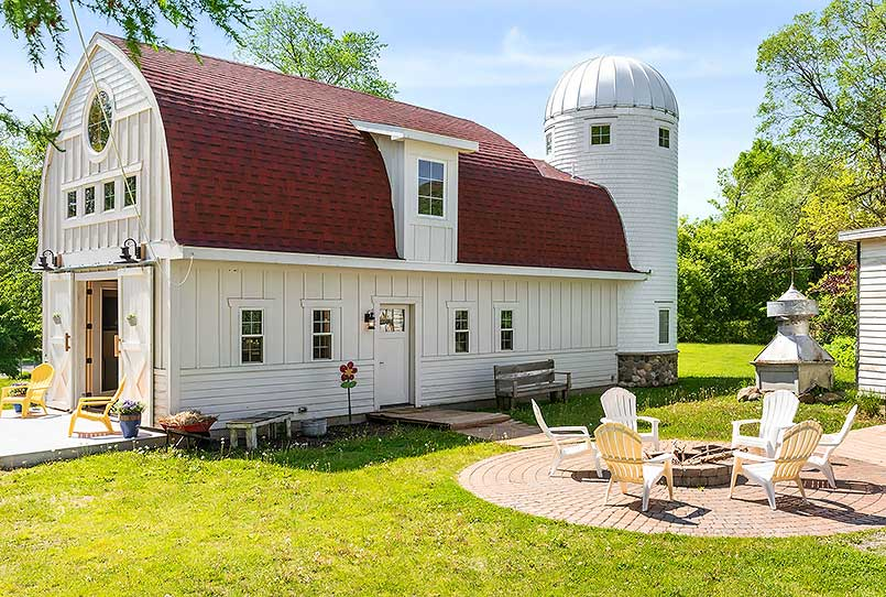 Beautiful Renovated Barn in Maplewood, Minnesota