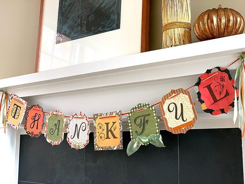 Thanksgiving Crafts Paper Banner to Make for your Fireplace Mantle