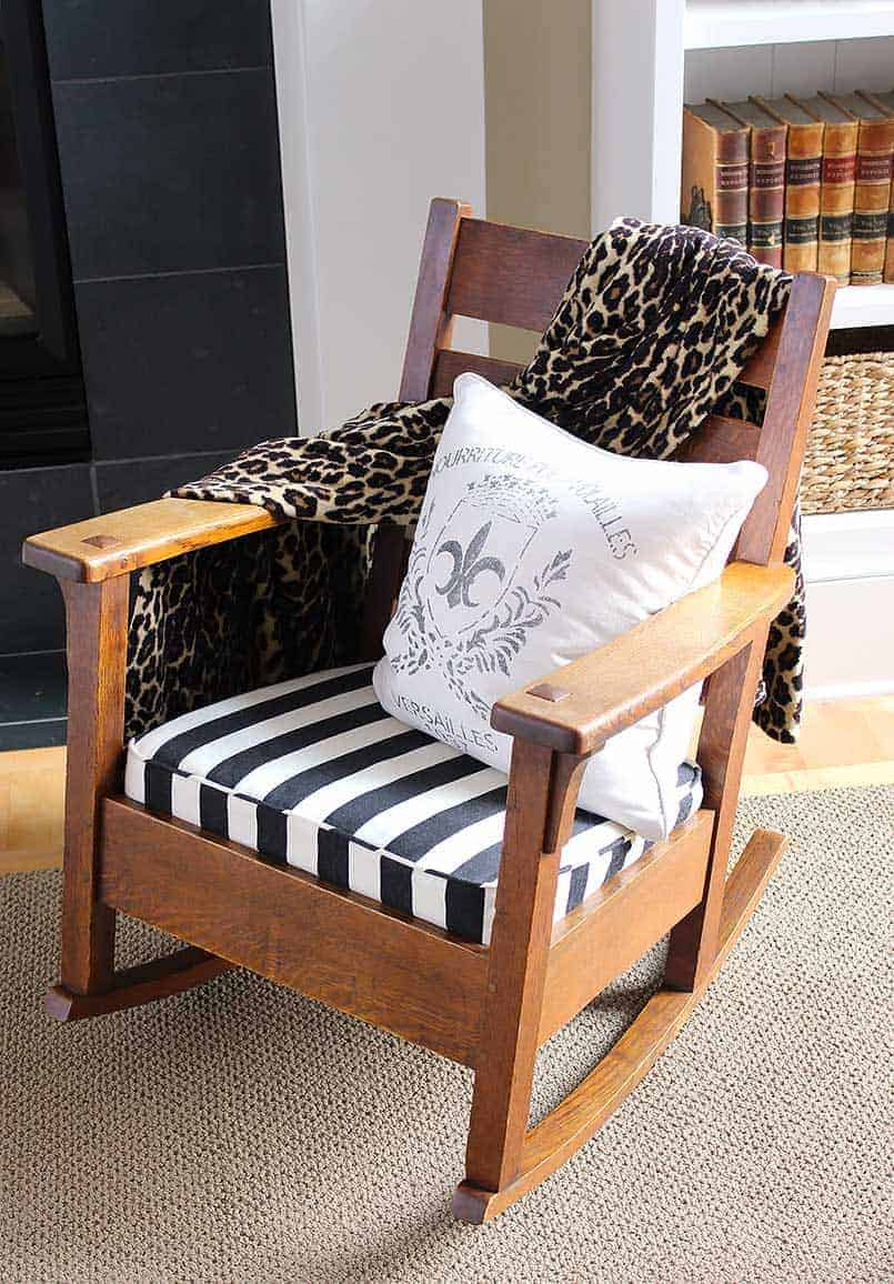 Craftsman-style antique chair, Tutorial for how to sew a new cushion