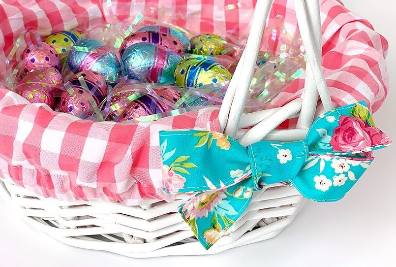 Pink & blue basket liner from a blog post on Easter basket ideas.